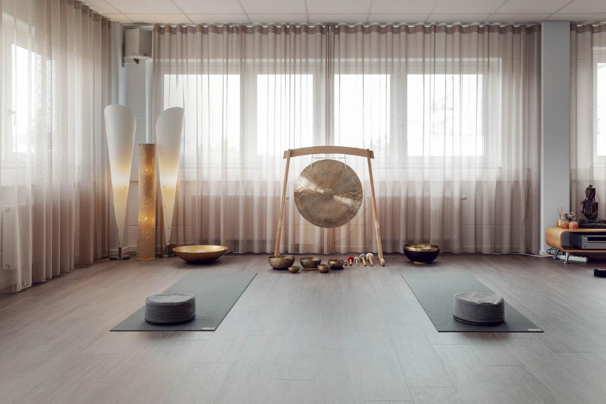 Yogaraum Vyana Akademie mit Gong Über uns